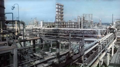 Сколько нефтеперерабатывающих заводов в России?